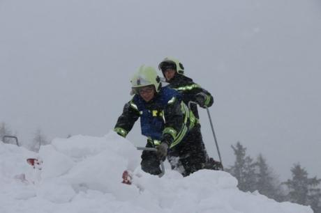 KHD-Einsatz – Schneelasten in Mitterbach am Erlaufsee